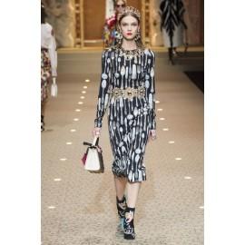 Коприна Dolce&Gabbana с вилички на бял фон