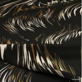 Коприна Givenchy черен фон