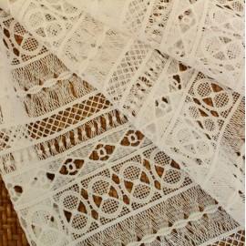 Памучна дантела Dolce Gabbana бяло райе