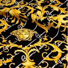 Коприна Versace черен фон