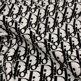 Коприна Dior букви