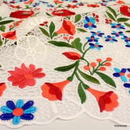 Дантела Burberry цветя