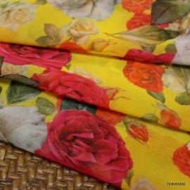 Шифон Dolce & Gabbana рози на жълт фон